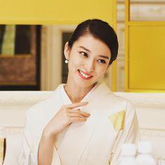 . 『 #黒革の手帖 』このあとすぐ‼️ . #お勉強させていただきます Emi Takei, Beautiful Japanese Girl, Golden Girls, Yukata, Japanese Kimono, Absolutely Stunning, Traditional Outfits, Actresses, Actors