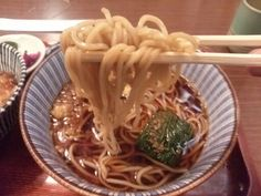 -TAJIMA-AN at asakusa- It is a set of clams and rice Edo-style buckwheat. Buckwheat noodles in soup and mini bowl of clams. $8.50 http://alike.jp/restaurant/target_top/37970/