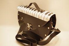 Thementaschen - Ausgefallene Retro Schultertasche Schallplatten - ein Designerstück von coolberc bei DaWanda