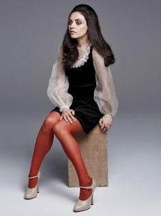 Mila Kunis in red tights. Nylons, Pantyhose Outfits, In Pantyhose, Fashion Tights, 40s Fashion, Fashion Heels, Red Tights, Tights Outfit, White Tights