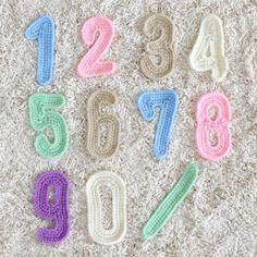 数字|作品レシピ|手編みと手芸の情報サイト ハマナカ あむゆーず Crochet Food, Love Crochet, Crochet Motif, Crochet Dolls, Knit Crochet, Crochet Alphabet, Crochet Letters, Crochet Symbols, Crochet Numbers