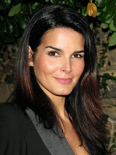Angie Harmon as ADA Abbie Carmichael / Law & Order 1998 - 2001 / Law & Order SVU  1999 - 2000 - 6 episodes