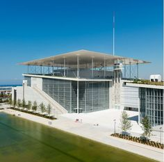Italian architect Renzo Piano has finished a major new park, library and theatre complex in Athens, the Stavros Niarchos Cultural Centre. Architecture Sketchbook, Architecture Old, Architecture Portfolio, Sustainable Architecture, Architecture Details, Architecture Diagrams, Renzo Piano, Los Angeles Skyscrapers, Stavros Niarchos