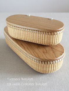 Bamboo Basket, Rope Basket, Basket Weaving, Bamboo Crafts, Wooden Crafts, Cob House Plans, Bamboo Containers, Wicker Coffee Table, Nantucket Baskets