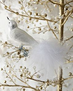 Looking for white Christmas decorating ideas? Find images of gorgeous white Christmas trees, white holiday tablescapes for design inspiration. White Christmas Ornaments, Bird Ornaments, Christmas Love, Christmas Crafts, Christmas Decorations, Holiday Decor, Xmas, Christmas Traditions, Decorative Accessories