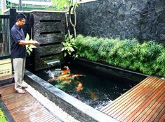 7 Exciting Fish Pond Design For Small Backyard Ideas - Alles über den Garten Fish Ponds Backyard, Backyard Water Feature, Backyard Ideas, Koi Ponds, Small Fish Pond, Koi Fish Pond, Fish Pool, Small Ponds, Koi Pond Design