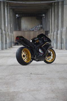 Custom GSXR 750 Smokey & The Bandit Trans Am Tribute Bike Featured In SuperStreet Bike Magazine