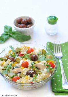 Insalata di cous cous estiva | Anna e la sua cucina Detox Breakfast, Cold Dishes, Light Recipes, Finger Foods, Pasta Salad, Italian Recipes, Food And Drink, Favorite Recipes, Lunch