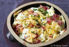 Überbackene Käse-Schinken Pasta mit Salat  mmh..lecker-schnelles Essen für's hungrige Kind bei wenig Zeit :) today's menu :)