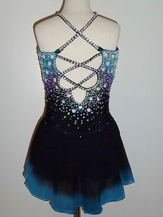 Beautiful Ice Figure Skating Dress Size Custom Made to Fit Figure Skating Outfits, Figure Skating Costumes, Figure Skating Dresses, Eislauf Outfits, Dance Outfits, Dance Dresses, Baton Twirling Costumes, Dance Costumes, Caber
