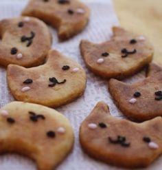 2月22日の「猫の日」にちなんで、今回は猫モチーフのキュートなお菓子レシピをご紹介します。ここ数年巻き起こっている猫ブームもまだまだ盛り上がり中!猫を飼っている人も、飼っていないけれど猫が好きという人も、お菓子を作って「猫の日」を満喫してみませんか?