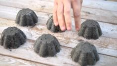 Make Your Own Hypertufa Containers