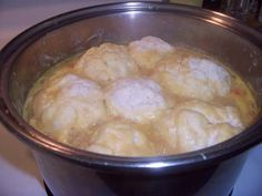 Dumplings - Newfoundland Recipes Ingredients: 2 cups flour tsp baking powder 1 tbsp sugar cups water Directions: Put the dry ingredients into a. Rock Recipes, Amish Recipes, Great Recipes, Cooking Recipes, Favorite Recipes, Cooking Ideas, Yummy Recipes, Newfoundland Recipes, Kitchens