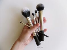 Real Techniques Nic's Picks brush set review // Limited Edition set