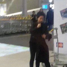Lee Min Ho's arrival at Paris airport, March 10, 2015.
