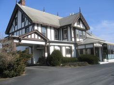 Derrydale estate of owner, a restaurant nowadays