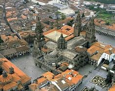 Santiago de Compostela one of the most important Temples of the Cristian World! Places In Spain, Places To Visit, The Camino, Spain And Portugal, Spain Travel, Madrid, Beautiful Places, Road Trip, Barcelona