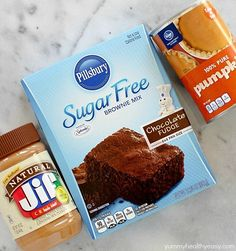 you're looking for a chocolate fix but don't want all the calories, you have to try this 3 Ingredient Skinny Peanut Butter Brownie Fudge! Only 42 calories for a chunk of fudgy, chocolate marbled, peanut butter deliciousness! Dessert Weight Watchers, Plats Weight Watchers, Weight Watchers Meals, Brownie Mix Recipes, Cake Mix Recipes, Fudge Recipes, Ww Recipes, Candy Recipes, Healthy Breakfasts
