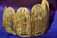 Konsztantinosz Monomachosz-korona, 1042-50 (Budapest, Nemzeti Múzeum)