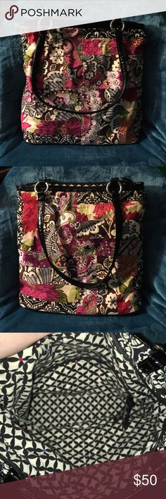 Vera Bradley Floral Tote This is a large sized Vera Bradley tote with a floral design. Very spacious and in excellent condition 🌸🌷🌸🌷 Vera Bradley Bags Totes