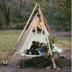 Camping entre amis, feux à la belle étoile, maisons miniatures ou chalets inspirants... Ces images donnent envie de magie, d'aventure et de simplicité!