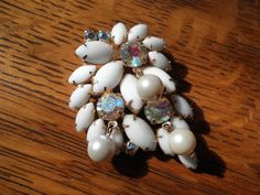 Vintage Floral Pin/Brooch White and Irridescent Stones with Pearl Bead Dangles Pearl Beads, Pearl Earrings, Floral Pins, Alter Ego, Have Some Fun, Vintage Home Decor, Vintage Floral, Brooch Pin, Dangles