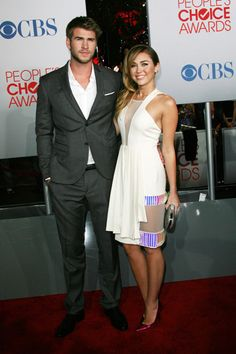 Miley Cyrus, Lea Michele are wonderful in white at Peoples Choice Awards