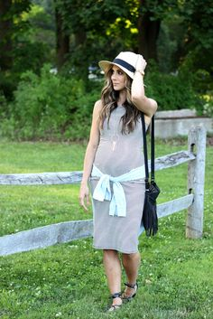 How to wear a non-maternity dress while pregnant, and tips to look for. Maternity style, maternity fashion