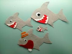 Two felt stories that go along with the songs Slippery Fish and Baby Shark. Perfect for storytime or circle time. Flannel Board Stories, Felt Board Stories, Felt Stories, Flannel Boards, Felt Diy, Felt Crafts, Slippery Fish, Colegio Ideas, Baby Shark Song