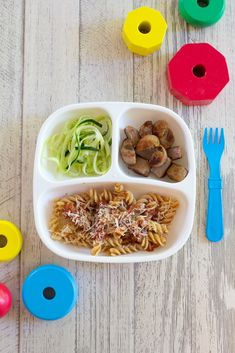 A weeks worth of healthy and real toddler meals that I fed the twins this week including dinner ideas for the whole family! Homemade Toddler Snacks, Healthy Toddler Meals, Kids Meals, Family Meals, Easy Meals, Toddler Dinners, Toddler Lunches, Toddler Food, Homemade Baby