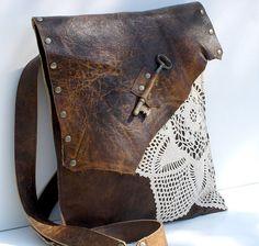 Boho bolso Mensajero con la llave antigua y ganchillo - gran lujo - ajustable hebilla de correa - hecho por encargo