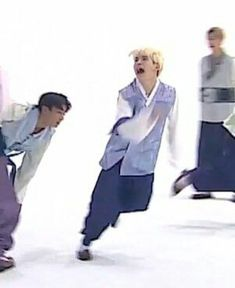 The legendary yoongi memes live Memes Pt, Kpop Memes, Jimin, Bts Bangtan Boy, Jhope, Taehyung, Bts Meme Faces, Funny Faces, K Pop