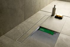 Easy Drain-warmteterugwinsysteem onder de douchevloer Alternative Energy, Save Energy, Sustainability, Toilet, Innovation, Solar, House Design, Bathroom, Building