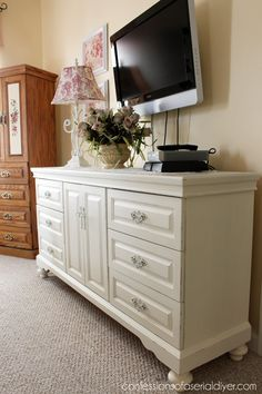 This Was A Dated Oak Dresser That Was Brought To Life With Diy Chalk Paint Refinished Bedroom Furniturepaint