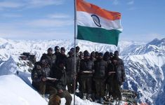 Collection of Indian Army Images HD and Pictures of Indian Army Soldiers That Will Make You Feel Proud. National Defence Academy, Indian Army Quotes, Indian Army Wallpapers, Independence Day Images, Happy Independence, Calming Pictures, Indian Flag, Army Soldier, We Are The World