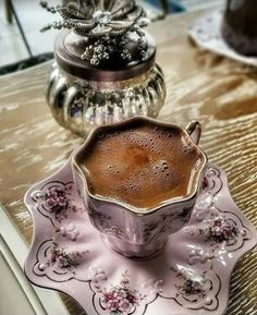 Image in Cafe Coffee Expresso Chocolate collection by Belaseed I Love Coffee, Coffee Set, Coffee Break, Iced Coffee, Café Chocolate, Good Morning Coffee, Coffee Photography, Food Photography, Turkish Coffee