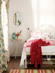 IN MY PERSONAL SPACE: Vintage Furniture and Decoration Recovered:
