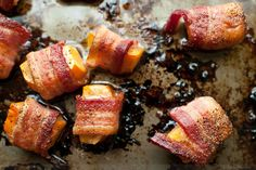 We just discovered we have a persimmon tree so was looking for something to do with them.  Of course, why didn't I think of it?  Bacon goes with everything!