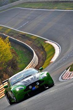 Ripping the Ring - Aston Martin V12 Vantage