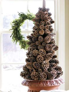 Lovely pinecone crafts for Holiday decorating!