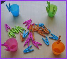 Montessori tot tray with clothespins Montessori Toddler, Toddler Activities For Daycare, Montessori Trays, Montessori Activities, Infant Activities, Toddler Preschool, Maria Montessori, Educational Activities, Preschool Fine Motor Skills