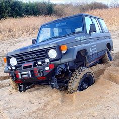 """""""70' Series #landcruiser #toyota #4x4 #offroad from @monjy893"""" Toyota Lc, Toyota Fj40, Toyota Trucks, Land Cruiser 70 Series, Off Road Adventure, 4x4 Off Road, Jeep 4x4, Japanese Cars, Big Trucks"""