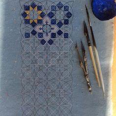 Geometric art Nail Desing e-art nail design budapest Islamic Art Pattern, Arabic Pattern, Geometry Pattern, Pattern Art, Geometric Designs, Geometric Shapes, Motifs Islamiques, Persian Pattern, Sacred Geometry
