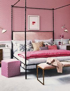 Summer-Bedrooms-Homes-&-Gardens-