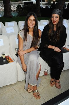 Margherita Missoni Photos - Margherita Missoni (L) and friend attends the Amber Fashion Show and Auction held at the Meridien Beach Plaza on May 2010 in Monte Carlo, Monaco. - Martini At Amber Fashion Lounge Missoni, Ibiza, Martini, Yellow Maxi, Gray Maxi, Lounge, Inspiration Mode, Emmanuelle Alt, Giovanna Battaglia