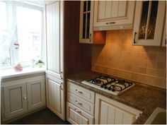 идеи для маленькой кухни фото в хрущевке с колонкой: 19 тыс изображений найдено в Яндекс.Картинках