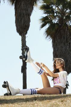 Model Twitpics of the week: Barbara Palvin- Rollerskates for Life! Barbara Palvin, Roller Derby, Roller Skating, Roller Disco, Divas, Foto Fun, Non Blondes, Skate Girl, L'oréal Paris