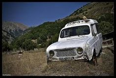 「renault r4 rusty」