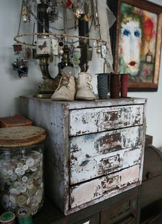 love the chippy drawers & jar filled with buttons...great way to store your buttons & still be able to see what you have....craft room storage (studio)
