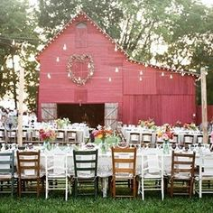 You know you're a #country girl when your wedding dreams are mostly just about barns (📷: @abryanphoto via @heartlovealways) #weddings #barn